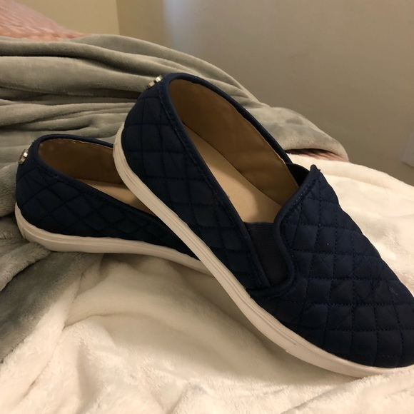 Used women's Steve Madden shoes sneakers size 8